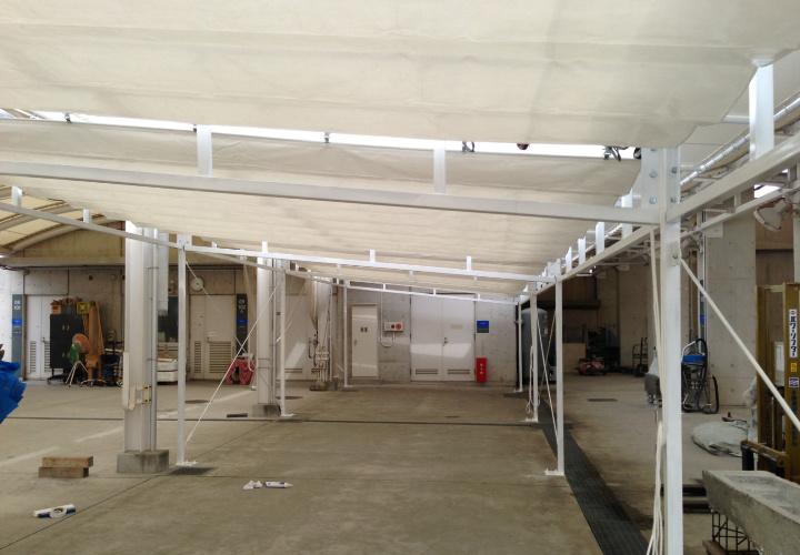 大型サイズの通路テント屋根
